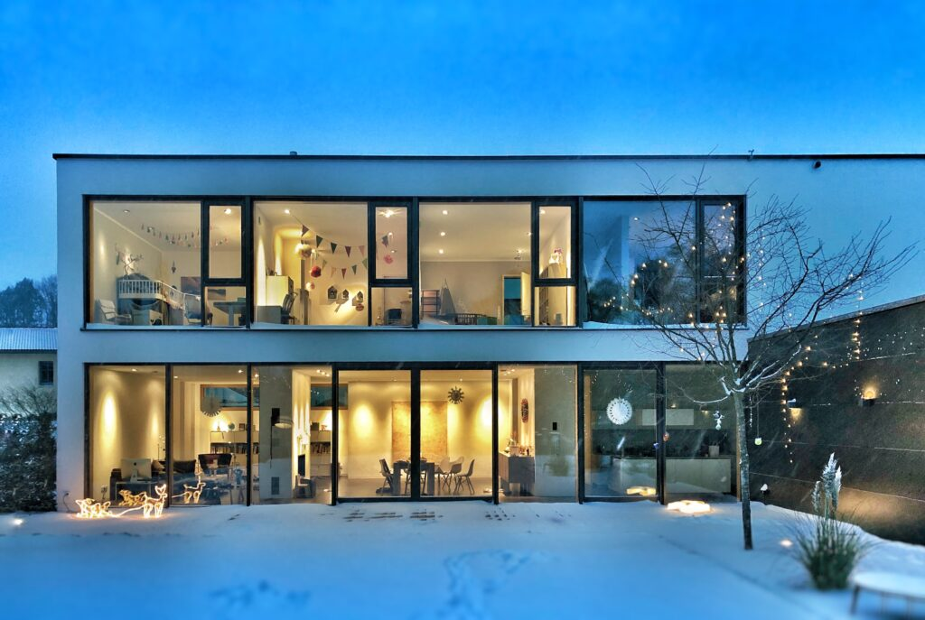 Man kan även göra house hacking med ett flerfamiljshus som är två likadana lägenheter ovanpå varandra.